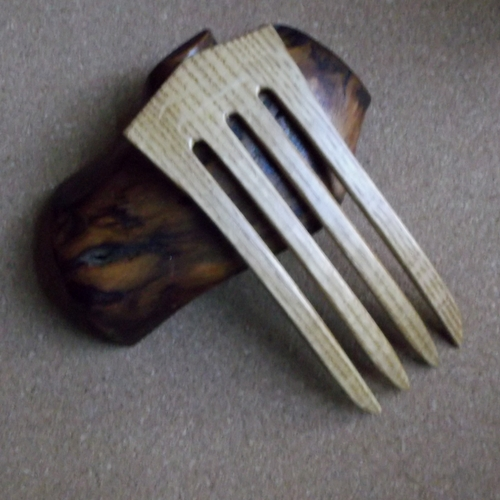Oak 4 prong hair fork by Jeter and sold in the UK by Longhaired Jewels