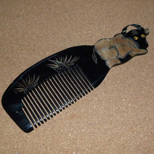 Fine Tooth Tibetan Yak Horn comb: no static detangling supplied by Longhaired 	Jewels
